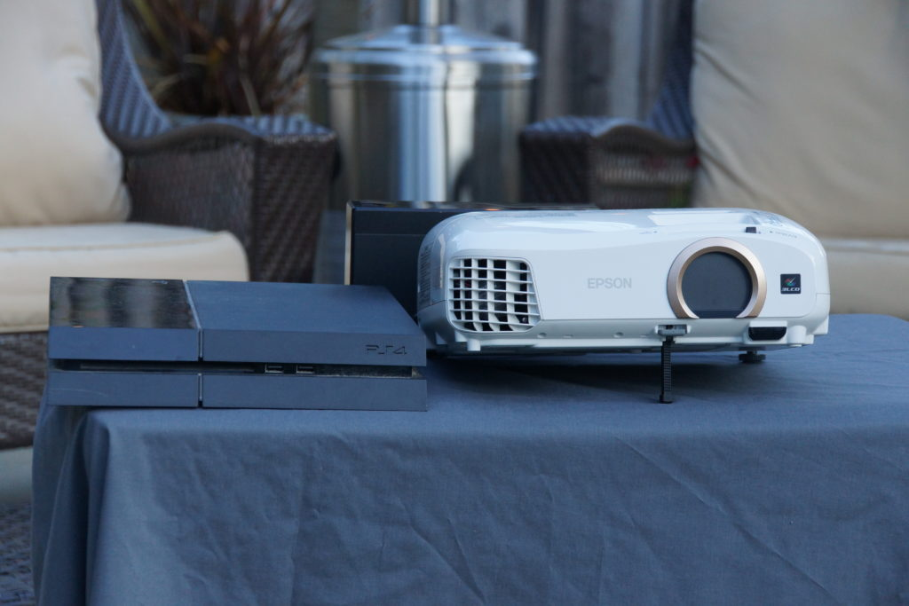 Built-in speakers - Best Projector under $200